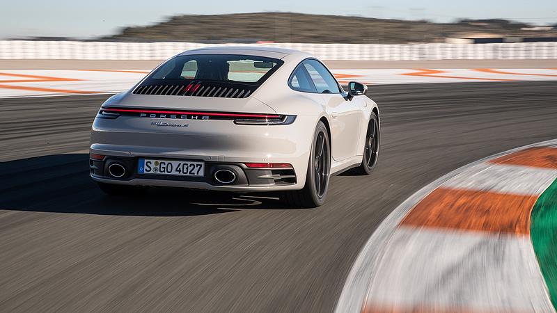 Estek a Porsche eladásai