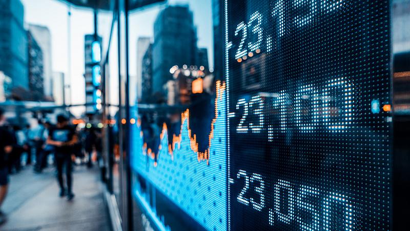 Jelentenek az amerikai cégek, a befektetők kivárnak