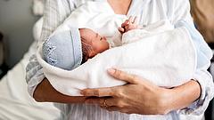 Veszélyes kór fenyegeti a túlsúlyos kismamák gyerekeit