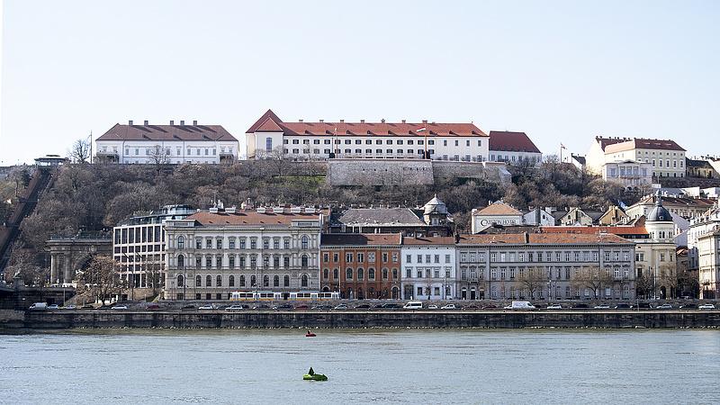 HVG: Leváltanak egy budapesti múzeumigazgatót