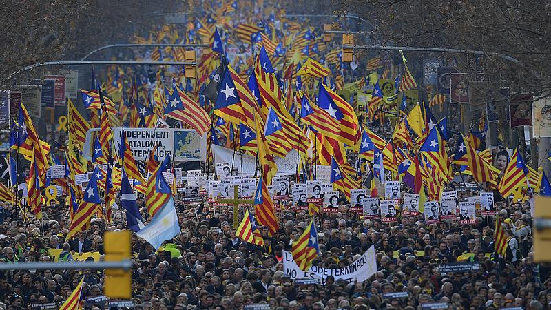 Egyre kevesebb a spanyol munkanélküli