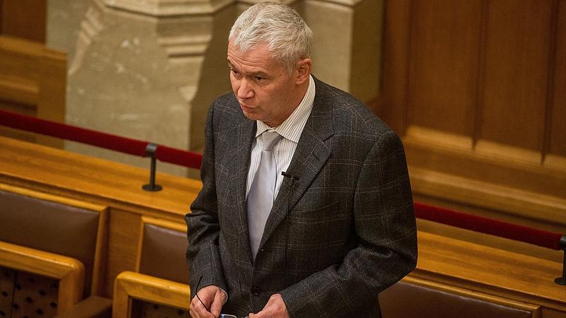Polt Péter nem megy el az Európai Parlamentbe a kikérdezésre