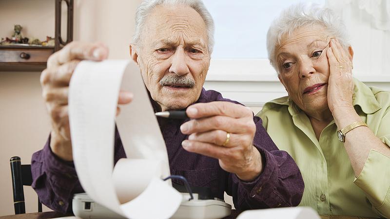 Rendszeres extra nyugdíjjal kampányol a lengyel kormány