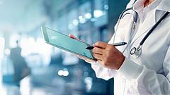 A betegeket büntetnék - ezt javasolja az MNB az egészségügyben