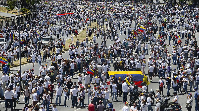 Az EU meghosszabbította a Venezuelával szemben hozott büntetőintézkedések hatályát