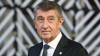 Kisebbségbe került a cseh koalíciós kormány