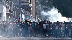 Venezuelai válság: a hadsereg útját állta a segélyszállítmányoknak