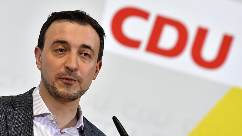 Nyíltan kritizálta a plakátkampányt a CDU főtitkára