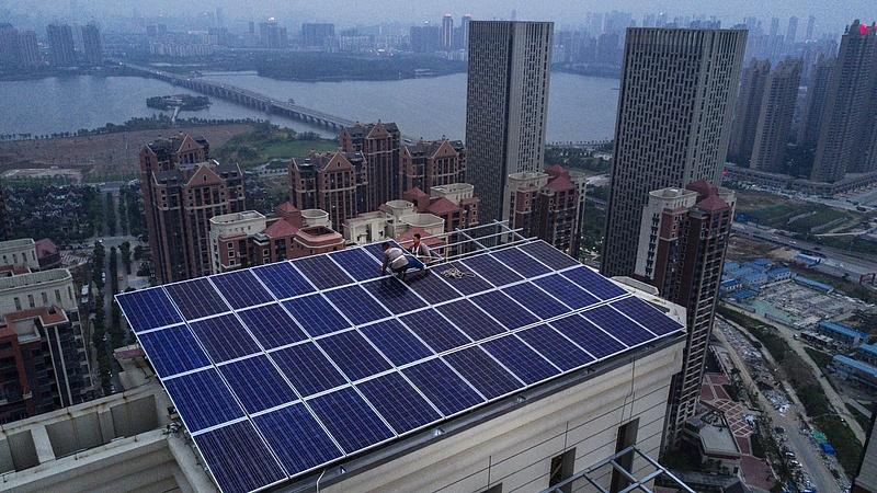 Nagyszabású napelemes kísérletbe fog Kína