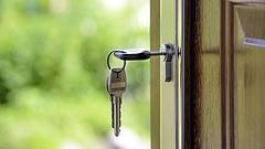 Feszültség az Airbnb-nél: csitítani kell a dolgozókat