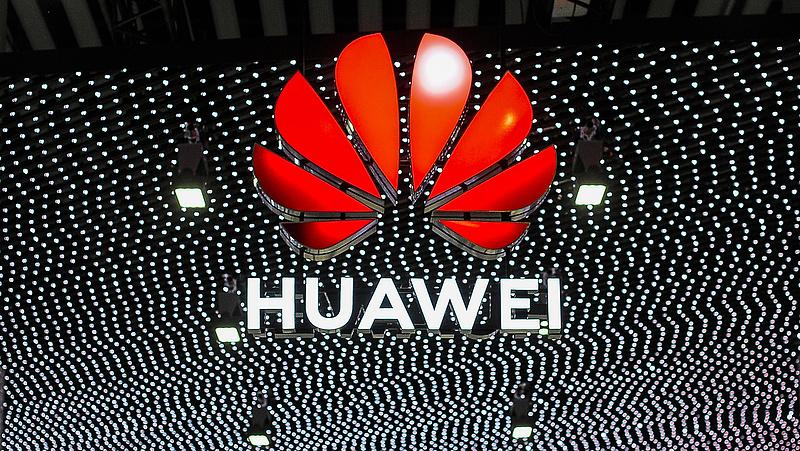 Újabb rossz hírt kapott a Huawei