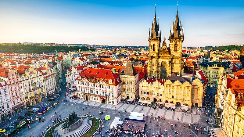 A cseheknél az egyház és a politika van a bizalmi lista legalján