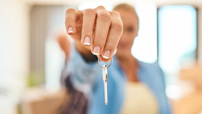 Nagyot fordultak a lakáspiaci kilátások - ez vár a vevőkre és az eladókra