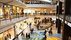Bajban vannak a plázák, egyre kevesebb vállalkozás tudja fizetni a bérleti díjakat