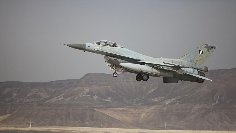 Izrael légicsapásokat hajtott végre Gázában