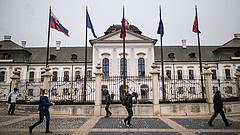 Egyre mélyül a kormányválság Szlovákiában az orosz vakcina miatt
