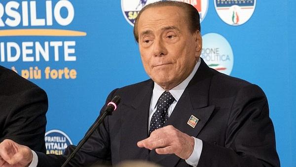 Berlusconi nem hajlandó többé személyesen bíróság elé állni