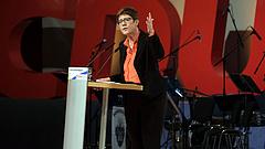 Merkel küzdőtársa lett von der Leyen utódja