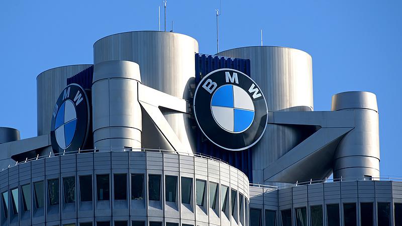 Száguldott ősszel a BMW