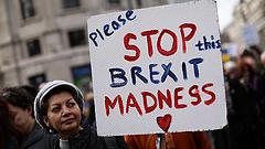 """""""Pokolgépet robbantottak"""" a brit választásban"""