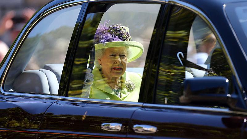 Önkéntes karanténba vonulhat II. Erzsébet