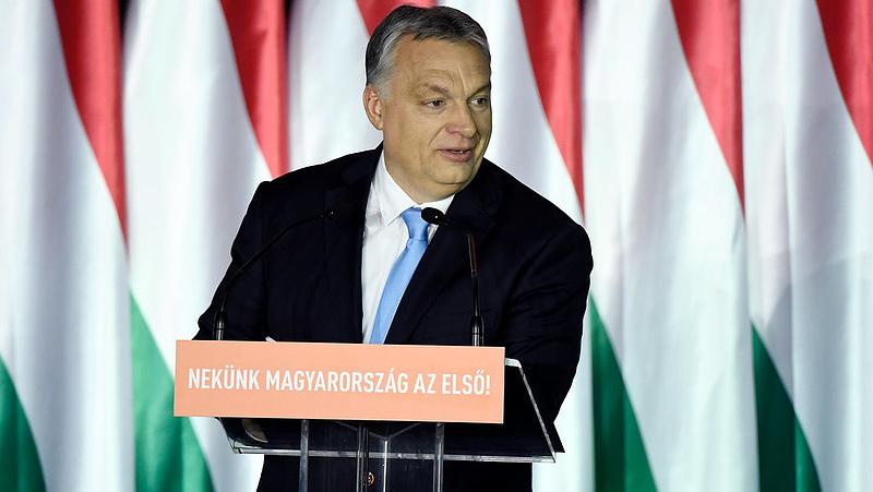 Orbán Viktor kampányt nyitott: Soros, migráns, Brüsszel