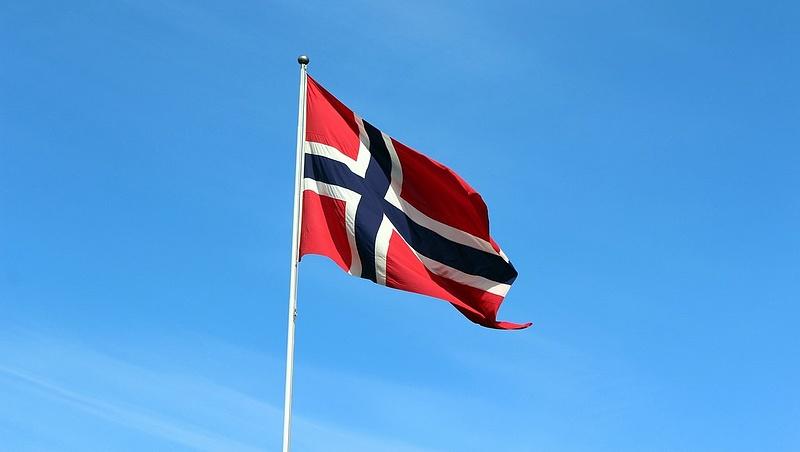 Nem látszik a kormány és a Norvég Alap háborújának vége