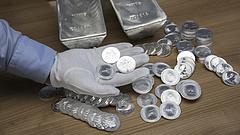 Ráugrottak az ezüstre