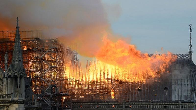 Rövidzárlat okozhatta a párizsi tűzvészt