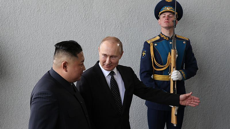 Putyin referált a kínai vezetőnek Kim Dzsongunról