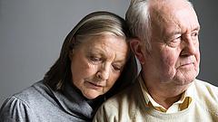 Nyugdíjasok támogatása: ötször is pluszpénz érkezhet egy év alatt
