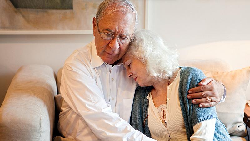 Szomorú hírt kaptak a nyugdíj előtt álló nők - alaposan kiszúr velük a rendszer