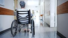Újabb gyászos hír jött a kórházakból - borulhat a kormány terve
