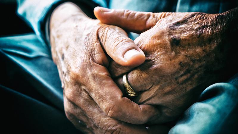 Hiába minden, csak csirkefarhátra számítanak a jövő nyugdíjasai