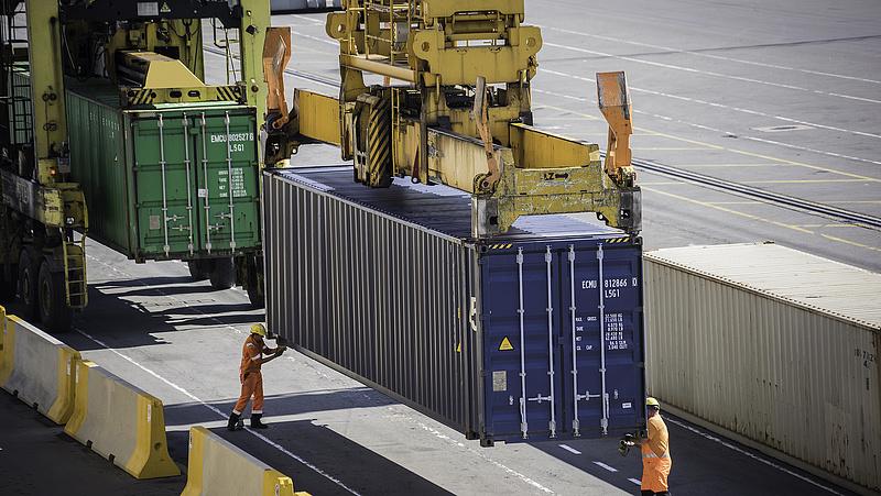 KSH: majd 1 milliárd eurót zsugorodott a termék-külkereskedelmi többlet