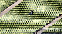 Lefújhatják az olimpiát, veszélyben a foci-Eb meccseinek megrendezése