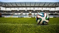 Focisztárok játszanak az új stadionban