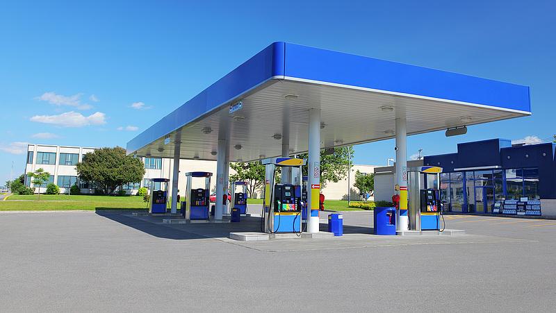 Emelték a benzin árát pénteken