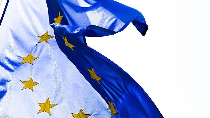 Közel 10 milliárd forint előleggel segíti az EU a magyar járványügyi vészhelyzet kezelését