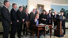 Védegylettel segíti Trump az amerikai árut