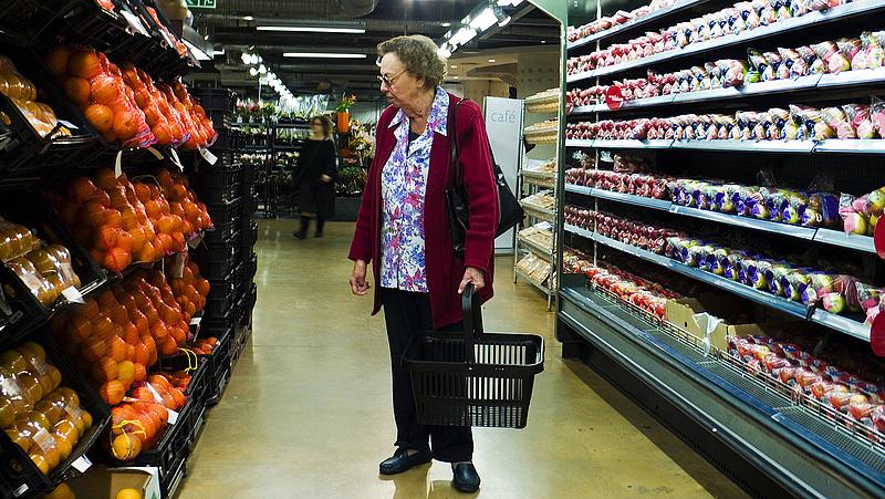 Vissza kell hozni az idősek vásárlási időkorlátját? - ezt mondja a szakszervezet