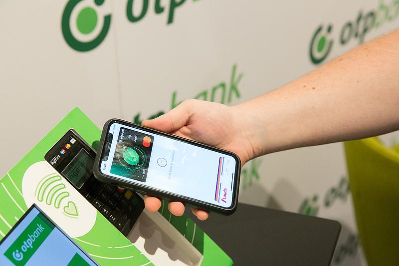 Az OTP kötelező teendőre figyelmeztet, minden bankkártyás ügyfél érintett