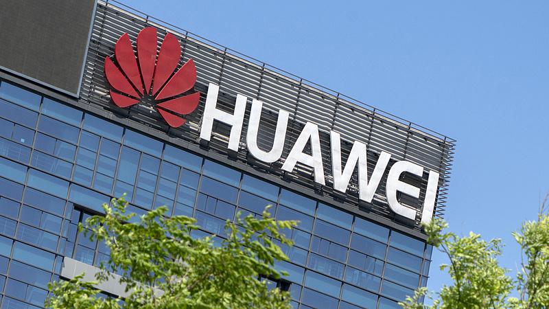 Bloomberg: A Huawei együttműködött a kínai hadsereggel