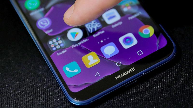 Hiába a kedves szó Trumptól, maradt a pácban a Huawei