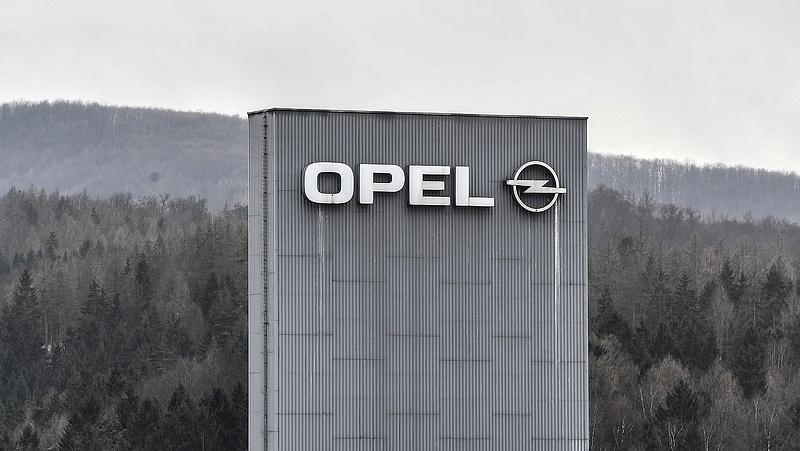 Visszahívnak 210 ezer Opelt
