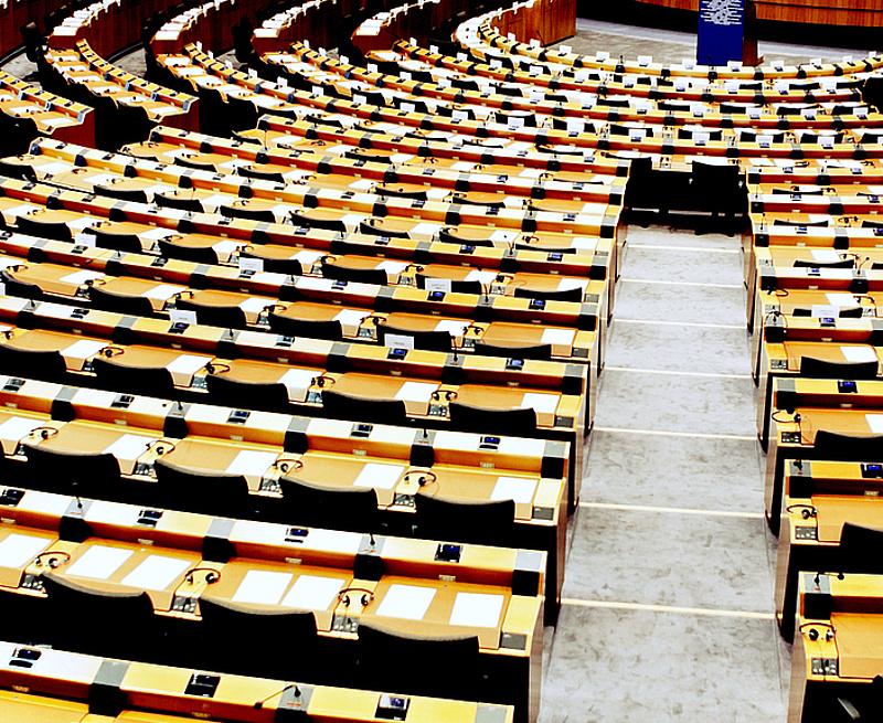 Viszlát! Az Európai Parlament is elköszönt a britektől