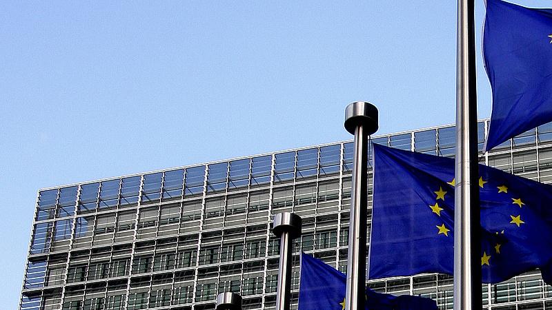 Pénzbírságot vetne ki Lengyelországra az Európai Bizottság