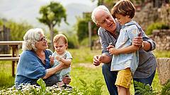 Nagyszülői gyed: átlag havi 208 ezer forint támogatás