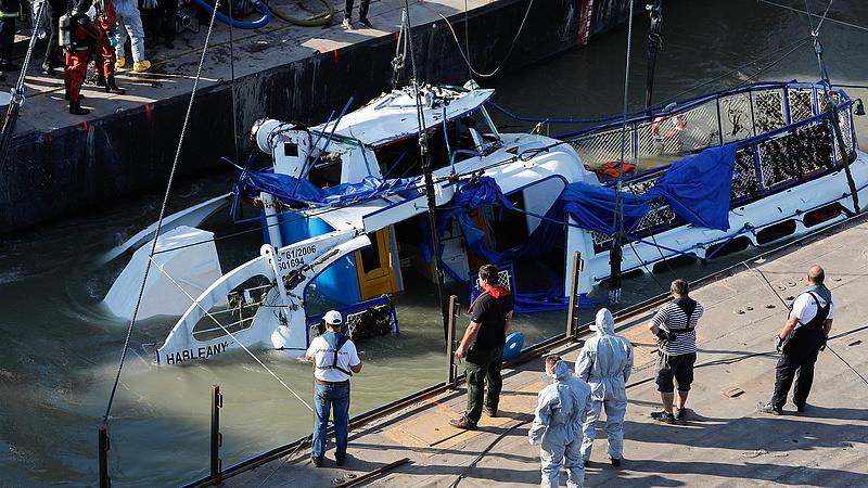 Hajókatasztrófa: továbbra is keresik az utolsó áldozatot