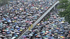 Kétmillióan vonulhattak utcára Hongkongban